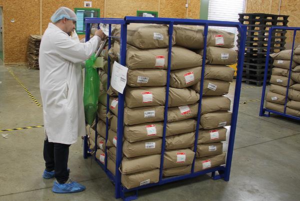 Prelevement qualité container matière première