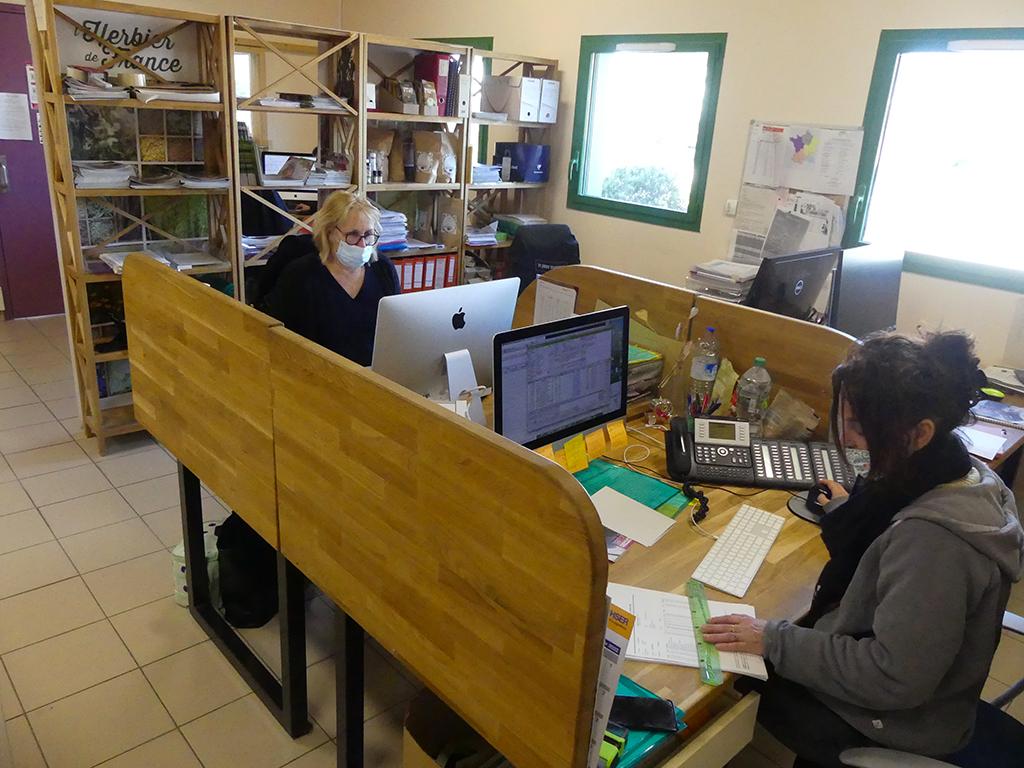 Le service commerce aux préparations des commandes